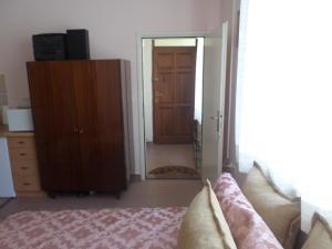 Sungate Apartment
