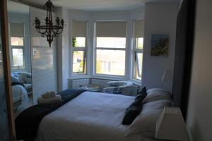 Easter Cottage B&B, Bed and breakfasts  Gurnard - big - 6