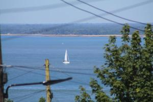 Easter Cottage B&B, Bed and breakfasts  Gurnard - big - 4