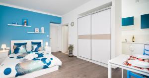 Split Dreams Apartments