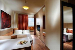 Hotel Bibione Palace, Отели  Бибионе - big - 56