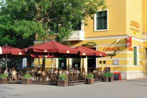 Corner Hotel & Kávéház