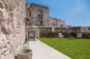 Intalloi, Bed & Breakfasts  Noto - big - 36