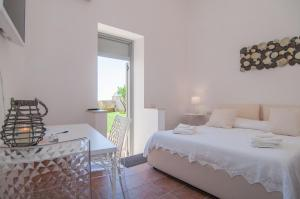 Intalloi, Bed & Breakfasts  Noto - big - 21