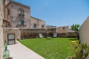 Intalloi, Bed & Breakfasts  Noto - big - 28