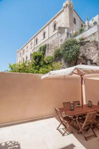 Intalloi, Bed & Breakfasts  Noto - big - 34