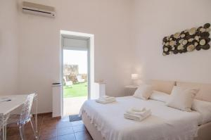 Intalloi, Bed & Breakfasts  Noto - big - 32