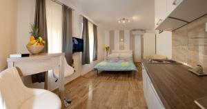 Central Luxury Rooms Izidor, Penzióny  Split - big - 15