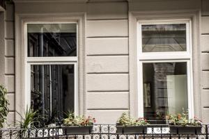 SHR Romeo's Apartment, Апартаменты  Будапешт - big - 5