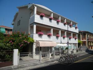 Prenota Hotel Eliani