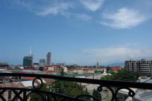 New apartment 2 in the city center, Appartamenti  Batumi - big - 1