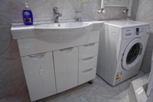 New apartment 2 in the city center, Appartamenti  Batumi - big - 7