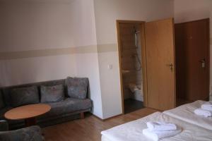 Landgasthof Hotel Rebe Alzey, Hotely  Alzey - big - 12