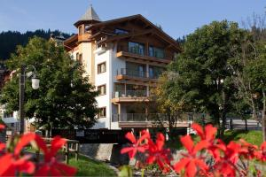 (Chalet Laura Lodge Hotel)