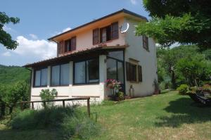 Villa Monsagrati Alto, Holiday homes  Monsagrati - big - 11