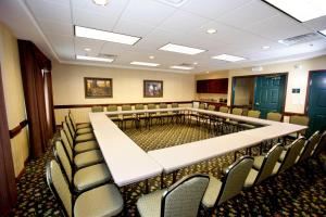Country Inn & Suites by Radisson, St. Cloud East, MN, Отели  Saint Cloud - big - 31