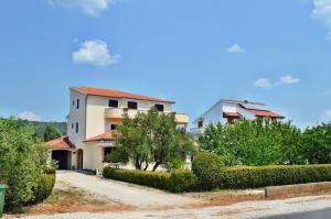 Apartments Burcul 585