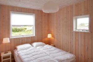 Three-Bedroom Holiday Home Sivsangervænget 01, Ferienhäuser  Hemmet - big - 9