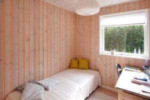 Three-Bedroom Holiday Home Sivsangervænget 01, Ferienhäuser  Hemmet - big - 8