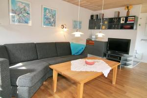 Three-Bedroom Holiday Home Vesten with a Sauna 06, Case vacanze  Sønderho - big - 9