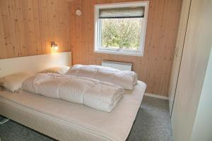 Three-Bedroom Holiday Home Vesten with a Sauna 06, Case vacanze  Sønderho - big - 16