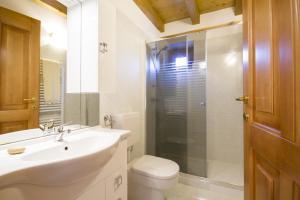 Casa delle Noci, Дома для отпуска  Grimacco - big - 4