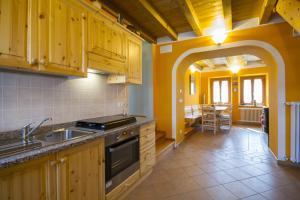 Casa delle Noci, Дома для отпуска  Grimacco - big - 5