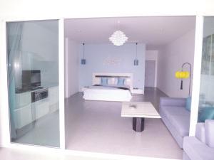 Padel Phangan Suite, Апартаменты  Чалоклам - big - 18