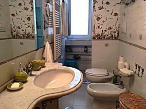 Casa Costa D'Amalfi, Apartmanok  Salerno - big - 16