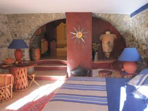 Can Serola, Hotel  Sales del Llierca - big - 30