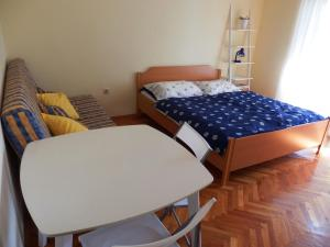 Nakic Apartments, Apartments  Brodarica - big - 20