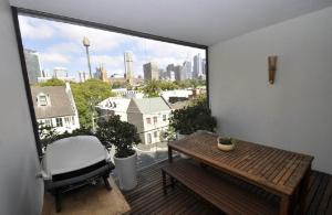 Sydney CBD Self-Contained One-Bedroom Apartment (208CR)