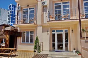 Tikhaya Gavan Guest House