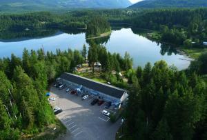 Dutch Lake Motel & RV Campground