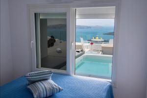 Fira Deep Blue Suites(Fira)