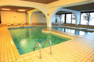 Swimming pool Appartements dans la Residence Panorama