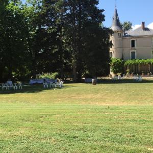 Chateau Pech-Céleyran, Bed & Breakfasts  Salles-d'Aude - big - 42