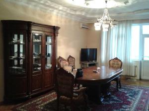 Апартаменты На Фуада Ибрагимбекова, Баку