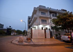 OYO Rooms Noida Electronic City Reviews