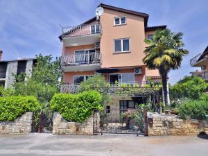 Apartments Margeta 642