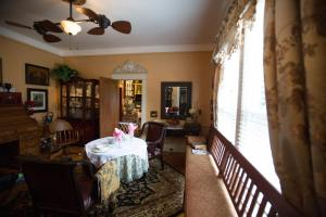 Bees B & B - Accommodation - Mount Airy