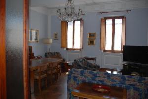 Residenza Savonarola Luxury Apartment, Apartmanok  Montepulciano - big - 16