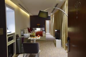 Novotel Suites Riyadh Dyar, Hotel  Riyad - big - 53