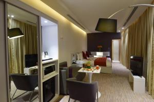 Novotel Suites Riyadh Dyar, Hotel  Riyad - big - 17