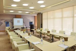 Novotel Suites Riyadh Dyar, Hotel  Riyad - big - 32