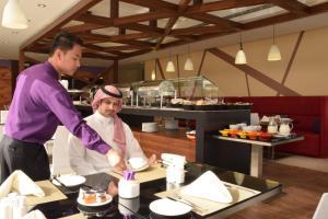 Novotel Suites Riyadh Dyar, Hotel  Riyad - big - 41