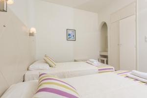 Nissos Thira, Hotels  Fira - big - 7