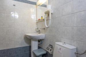 Nissos Thira, Hotels  Fira - big - 34