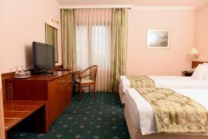 Hotel Glam, Отели  Скопье - big - 18
