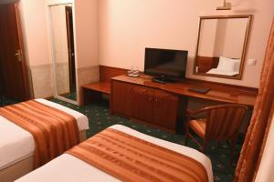 Hotel Glam, Отели  Скопье - big - 14